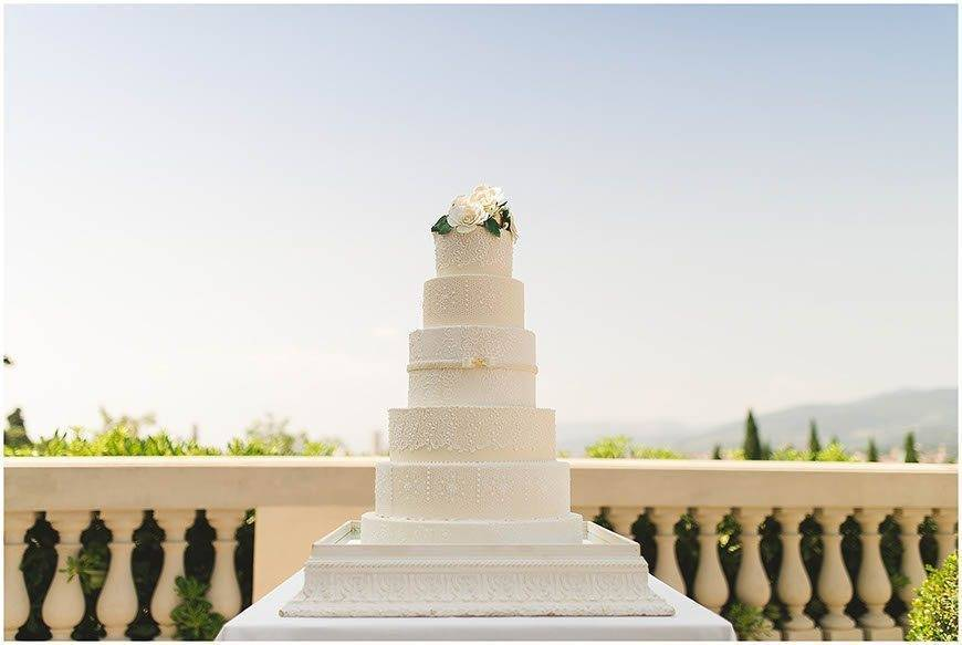 villa la vedetta rustic elegance david wickham tuscan wedding cakes  - Luxury Wedding Gallery