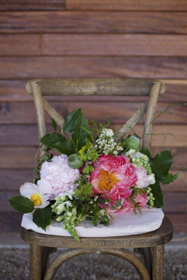 Pink florals and rustic vibes