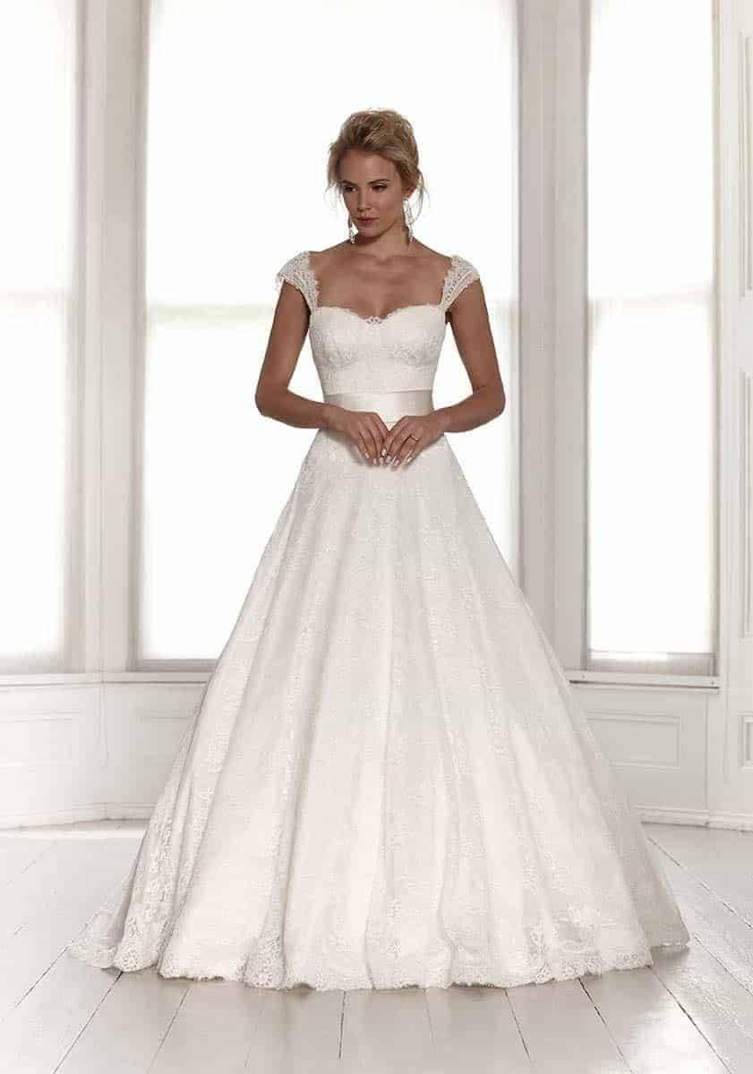 Sassi Holford 2015 Saskia copy - Luxury Wedding Gallery