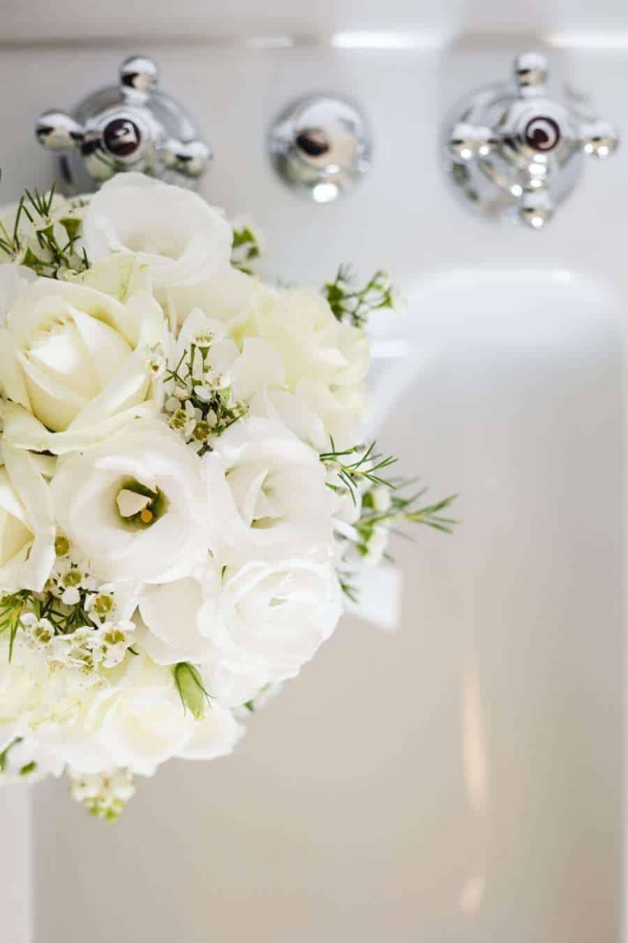 Outdoors Indoors wedding - Wedding Flowers