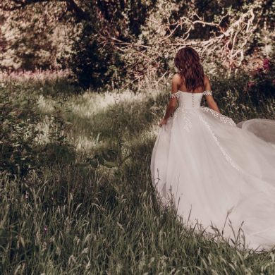 Bridal gown collection: Stephanie Allin – Love Stories