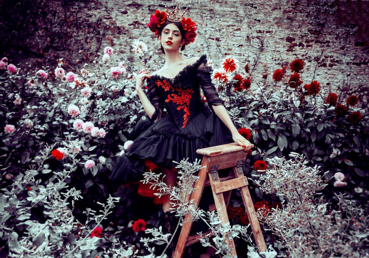 Style shoot: Chantal Mallet's Mystic Autumn