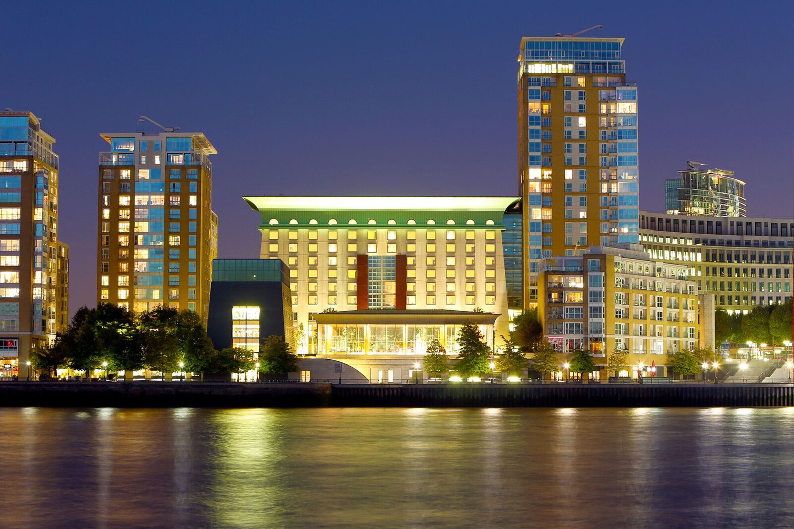 Review: Canary Riverside Plaza Hotel