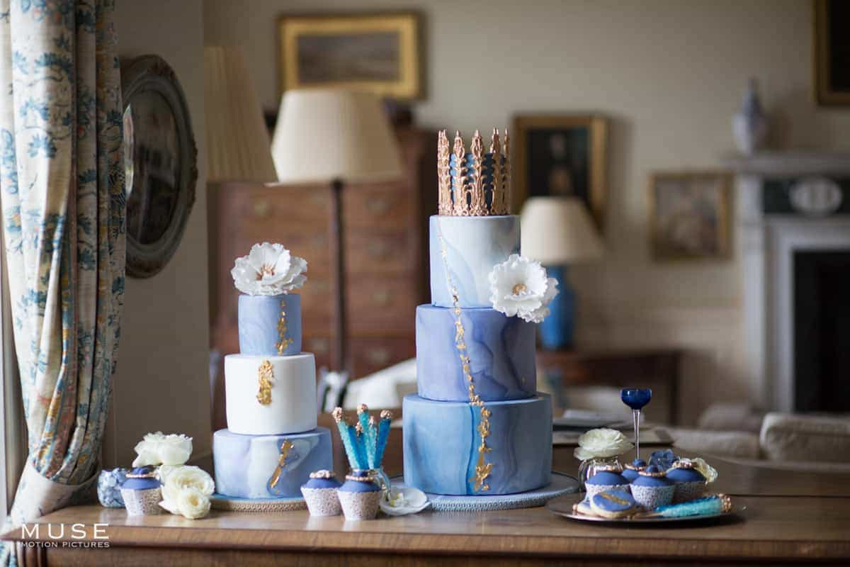 classic blue cake table 1