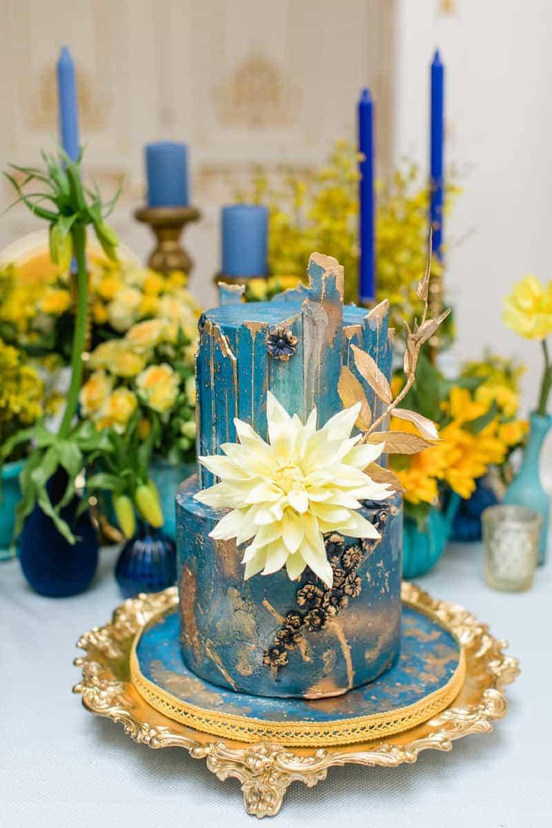 classic blue van gogh wedding cake 2 tier elizabethscakeemporium 1
