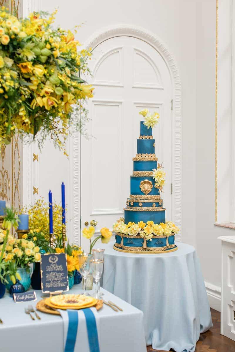 classic blue van gogh wedding cake elizabethscakeemporium 1