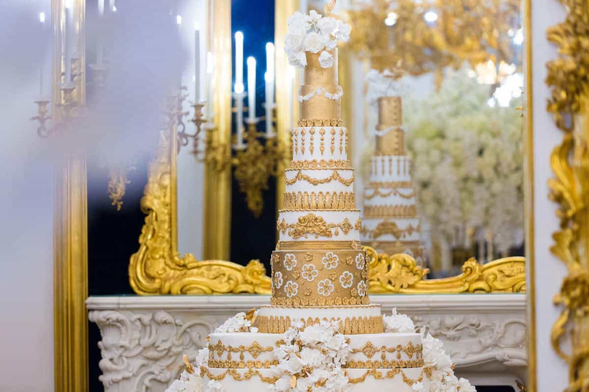 grand wedding cake elizabethscakeemporium