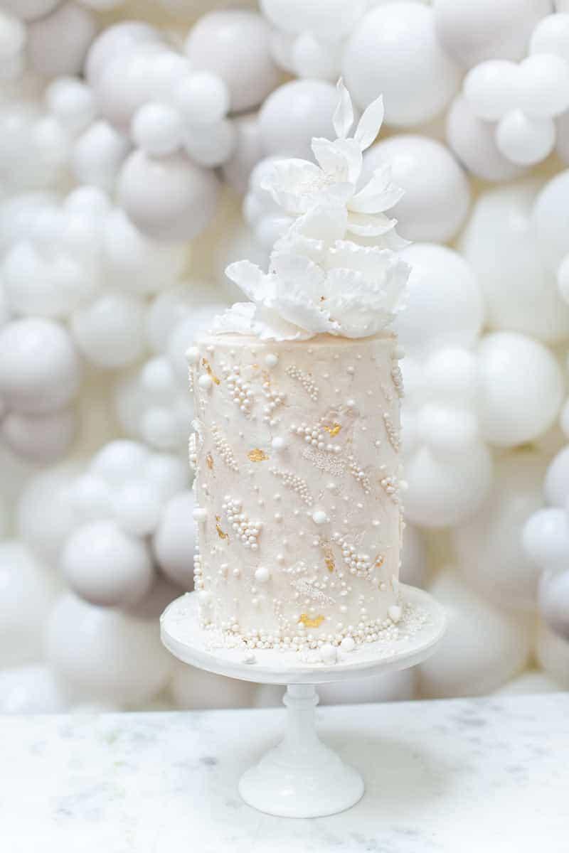 pearl luxury wedding cake1 by elizabeth s cake emporium 1