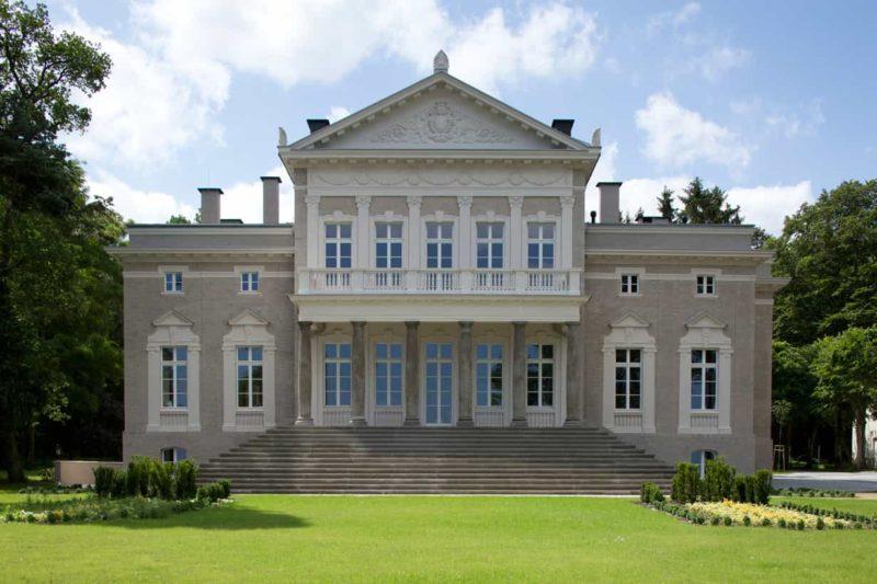 5 Star Manowce Palace