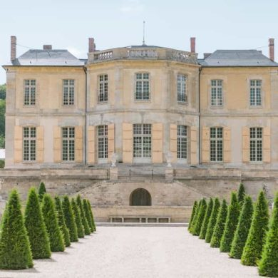 Laid-Back Luxury Wedding In Château de Villette