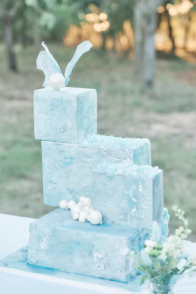 Luxury Wedding Cake Trends for 2021