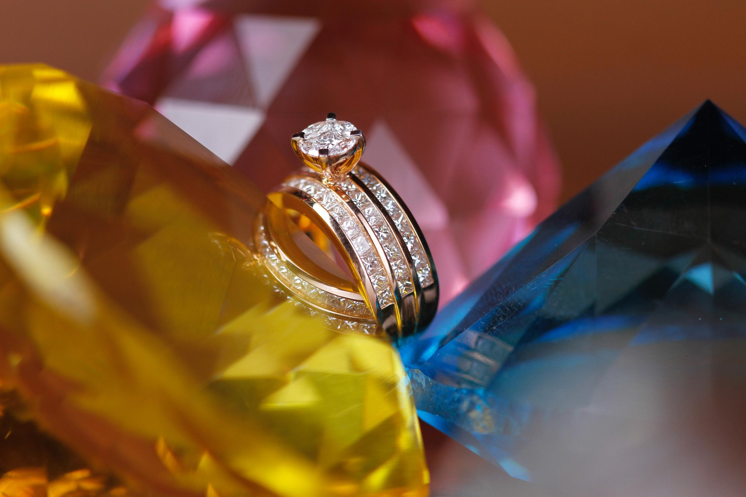 Wedding Anniversaries: Your Year-by-Year Wedding Anniversary Gift Guide