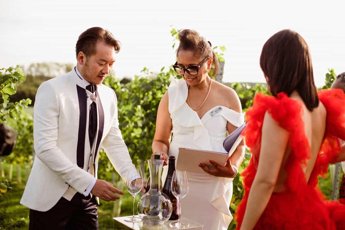 Why Hire A Wedding Celebrant?
