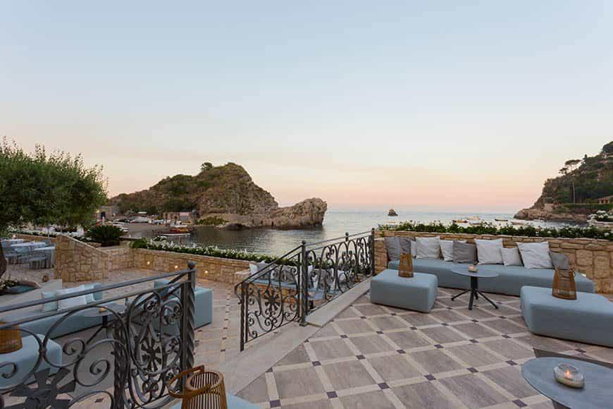 restaurant-terrace-2