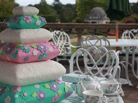 Tees Bakery - Luxury Wedding Cakes